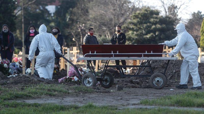 Argentina registra récord diario de 8.225 nuevos casos de Covid-19
