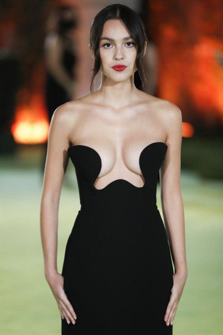 Rodrigo's dress was designed by Saint Laurent Photo by EFE / EPA / CAROLINE BREHMANs