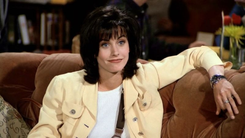 IMPERDIBLE: Mira a Mónica (Courteney Cox) interpretando en piano el tema central de Friends