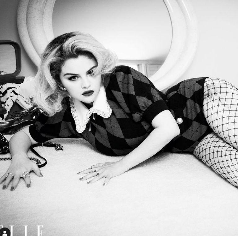 Photos of Selena Gomez in Elle / Screenshot @SelenaGomez