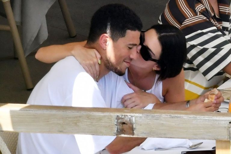 Love can be seen from afar in Kendall Jenner's relationship