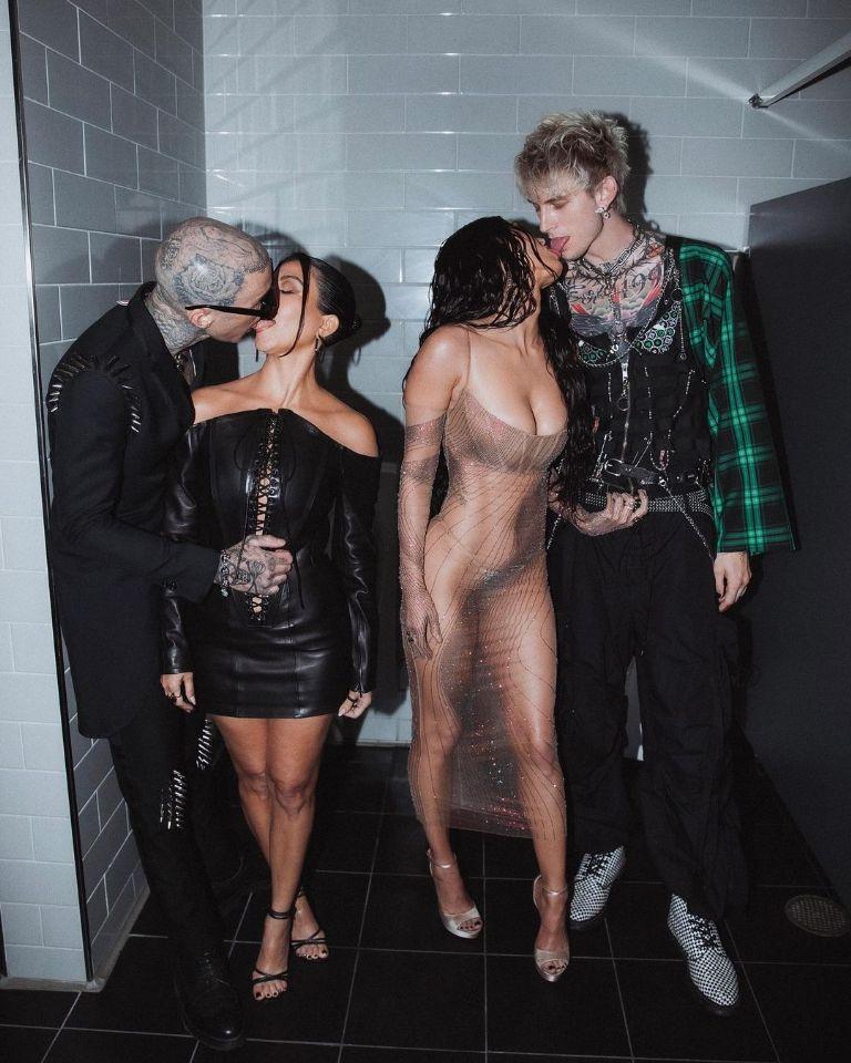 Travis Barker, Kourtney Kardashian, Megan Fox and Machine Gun Kelly in the MTV bathroom